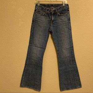 Women's lucky brand jeans. Flare. Size 6/28